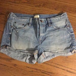 mid waist light wash jean shorts